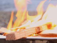 西湖でソロキャンプ scene.3「焚き火と修学旅行生」